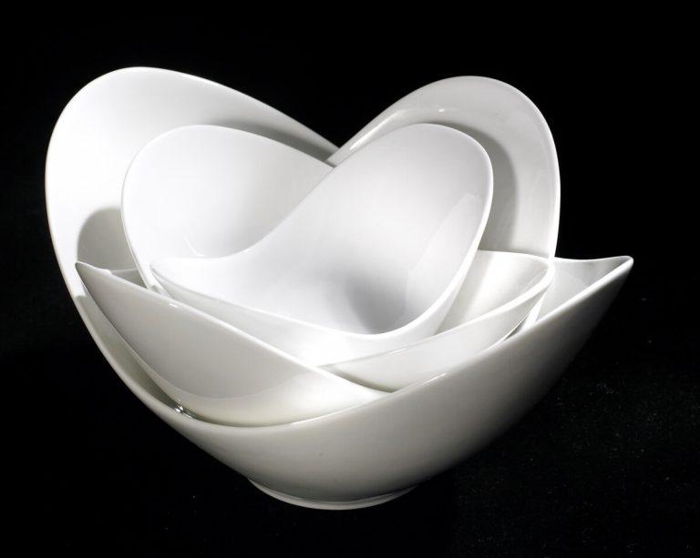 Beautiful Black and White rendition of Stylish Kitchenware