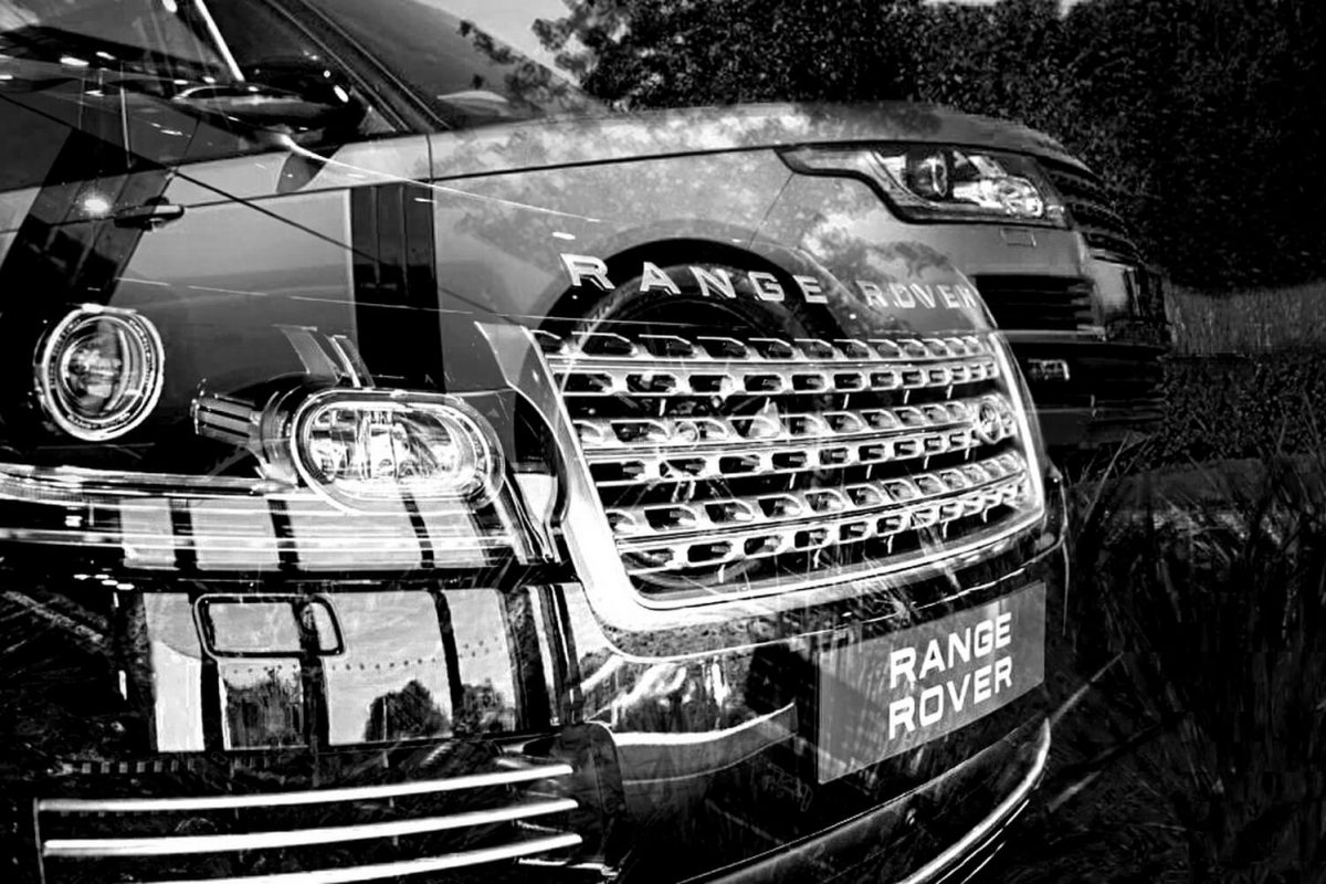 Promotional advertising photography for car dealerships in Birmingham for social media and websites - Range Rover